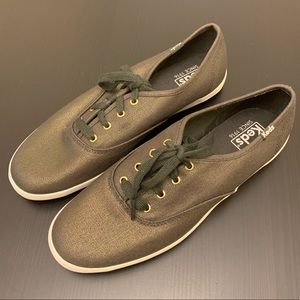 Keds Green Canvas Lace Up Lo Rise Sneakers